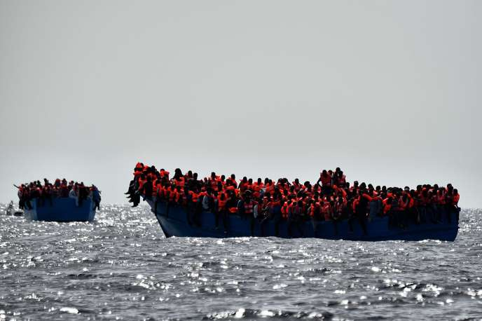 Plus de 6 000 migrants ont été secourus lundi 3 octobre au large de la Libye.