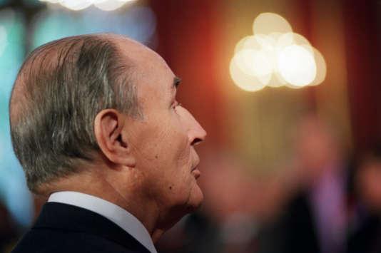 Le président François Mitterrand au palais de l'Elysée, en septembre 1992.