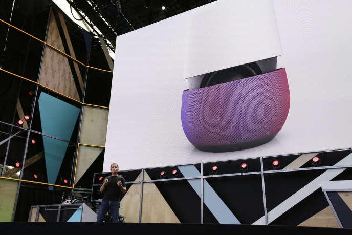Home, le boîtier « intelligent » de Google, présenté mardi 4 octobre, à Mountain View (Californie).