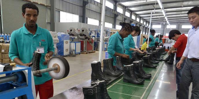 Une usine de chaussure à Dukem, en Ethiopie, en avril 2012.