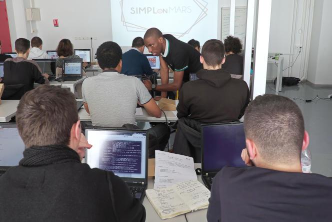 Un cours d'informatique à Centrale Marseille.