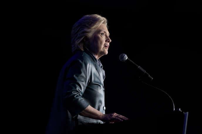 Bousculée sur sa gauche par la campagne de Bernie Sanders, Hillary Clinton a fini par prendre position contre le traité de libre-échange TPP signé par les Etats-Unis et 11 pays d'Asie-Pacifique.