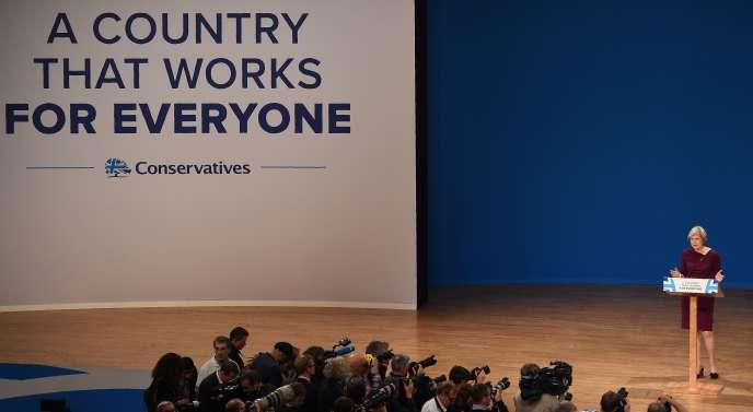 La première ministre britannique, Theresa May, lors du congrès du Parti conservateur, à Birmingham, le 5 octobre.