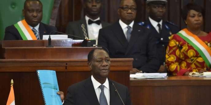 Alassane Ouattara, à l'Assemblée nationale d'Abidjan le 5 octobre 2016.