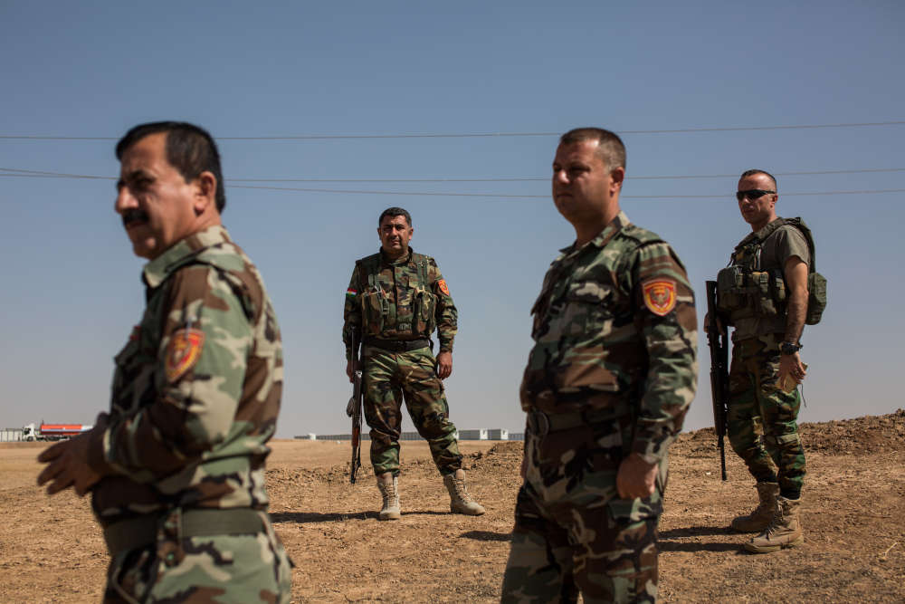 Des peshmergas kurdes non loin de la base militaire de Khazir, située entre Erbil, la capitale de la région autonome du Kurdistan irakien, et la ville irakienne de Mossoul.