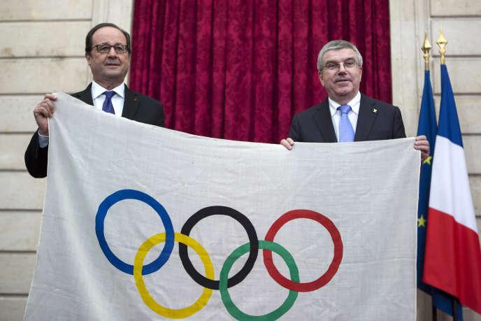 François Hollande et Thomas Bach, le président du CIO, lors d'une rencontre à L'Elysée, le 2 octobre 2016.