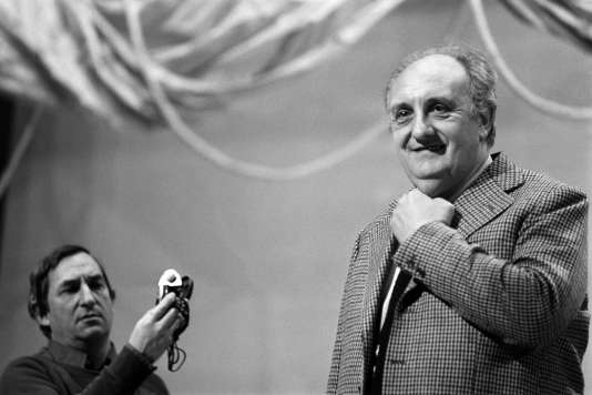 Pierre Tchernia est photographié lors de la répétition de la nuit des Césars, le 01 février 1980, à la salle Pleyel, à Paris.