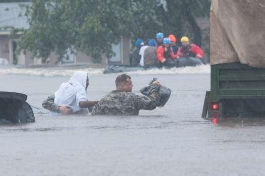 Evacuation d'urgence à Fayetteville en Caroline du Nord.