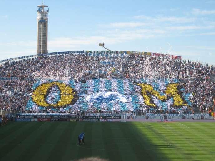 Tifo des supporteurs du virage Nord du stade Vélodrome de Marseille.