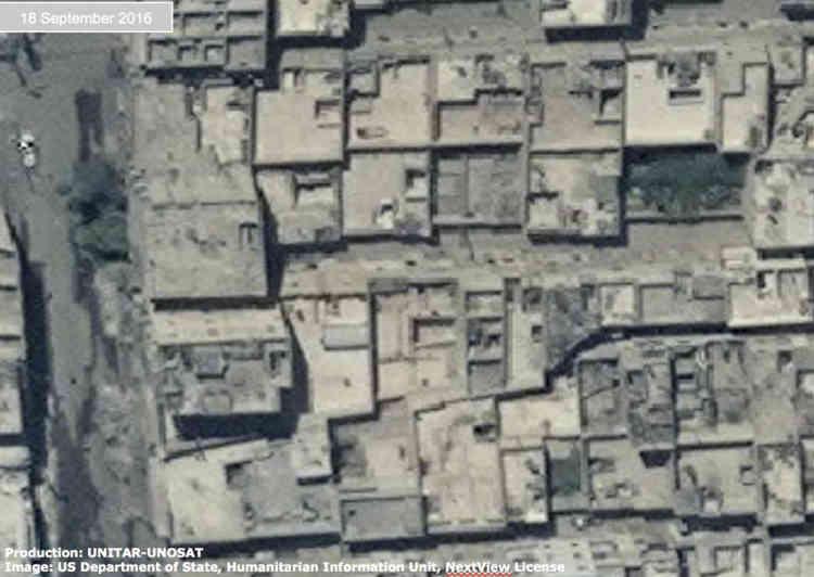 Ces images montrent des maisons détruites dans le district de l'Karmad Da'an d'Alep, en Syrie, le 18 septembre 2016.