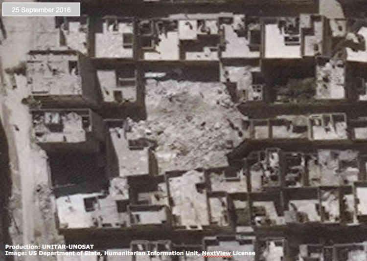Ce même quartier le 25 septembre. Un maison d'habitation à été détruite récemment.« Ceux qui commettent ces [actes] devront être tenus pour responsables. Cela va bien au-delà de l'accident. C'est une stratégie ciblée pour terroriser les civils et quiconque se met en travers de leurs objectifs militaires », a déclaré John Kerry.