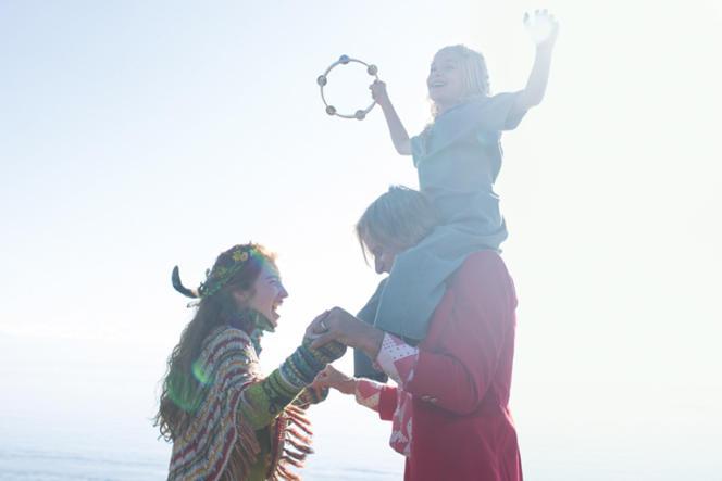 Le mode de vie alternatif que le personnage de Viggo Mortensen offre à ses enfants dans « Captain Fantastic» fait écho aux ouvrages que l'acteur édite.