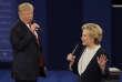 Donald Trump et Hillary Clinton lors du second débat pour l'élection présidentielle américaine à l'université Washington, à Saint Louis, le 9 octobre 2016.