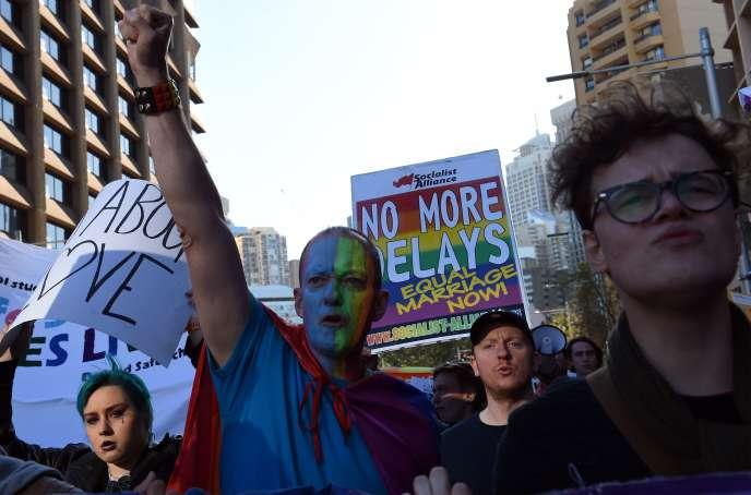 Partisans du mariage homosexuel lors d'un rassemblement à Sydney, le 25 juin.