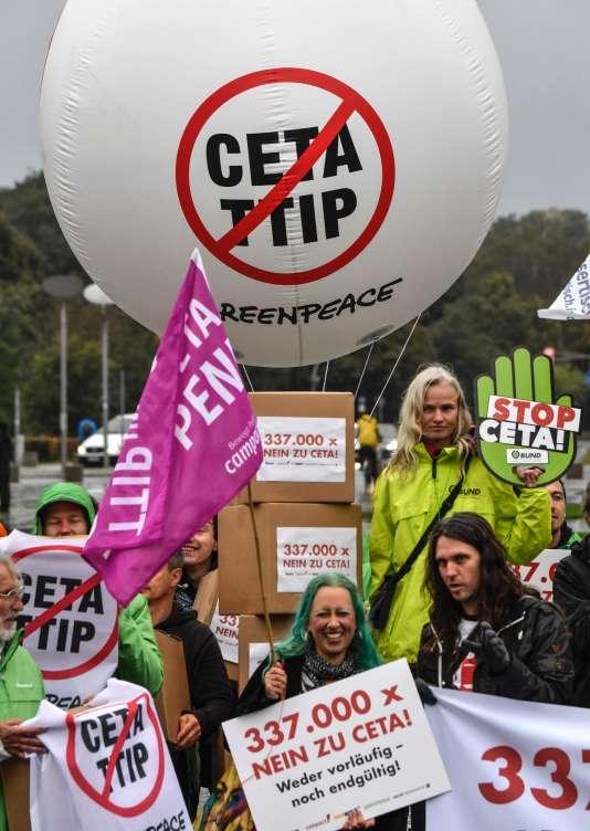Mobilisation contre le CETA et le Tafta le 12 octobre à Berlin, en Allemagne.