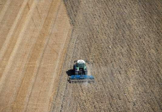 Selon Axema, les ventes de tracteurs, moissonneuses-batteuses ou autres sarcleuses devraient reculer de près de 11 % au deuxième semestre 2016.