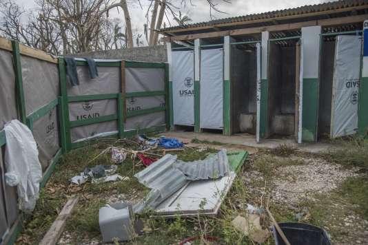 Les latrines au centre de traitement du choléra de l'hôpital Saint-Antoine.