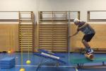 """Andri Ragettli est un jeune skieur suisse de 18 ans. Son entraînement inspiré du """"Parkour"""" a été vu des millions de fois sur Internet et les réseaux sociaux"""