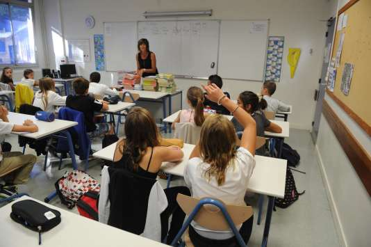 Rentrée des classes au collège de l'Atlantique à Aytre, le 1er septembre 2015. AFP PHOTO / XAVIER LEOTY / AFP PHOTO / XAVIER LEOTY