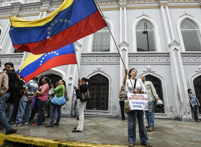 Lors d'une manifestation d'opposantes au président Maduro, àCaracas le 13 octobre.