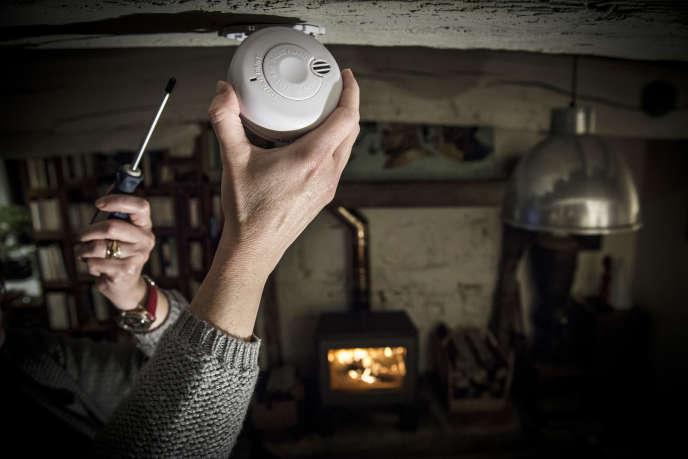 Les détecteurs de fumée sont obligatoires au domicile des particuliers depuis mars 2015.