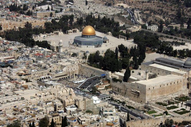 Vue générale de Jérusaleme et du dôme du Rocher, le 2 octobre 2007.