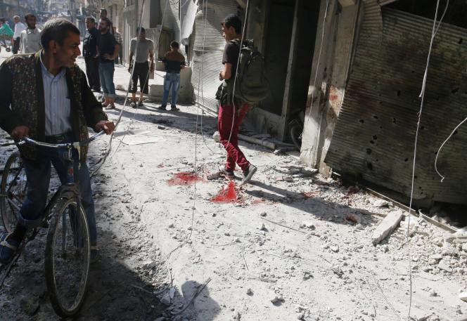 Après un raid aérien sur un marché d'Alep, le 12 octobre.