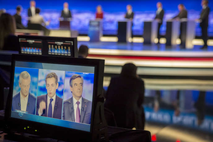 «Les candidats de la droite ne se situent pas dans une logique libérale car il semble que la leçon des erreurs du FMI et de la Commission en Grèce, en Espagne et au Portugal dans les années 2010 a été tirée.D'où l'idée de combiner diminution de la dépense publique… et soutien budgétaire». (Photo: Bruno Le Maire, Alain Juppé, Nathalie Kosciusko-Morizet, Nicolas Sarkozy, Jean-François Copé, Frédéric Poisson et François Fillon lors du premier débat de la primaire de la droite et du centre à Saint-Denis, jeudi 13 octobre 2016).