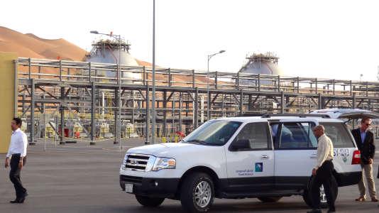 Un site d'extraction de gaz naturel liquifiéde Saudi Aramco sur le gisement de Shaybah, en Arabie Saoudite, près de la frontière avec les Emirats arabes unis, en mai.