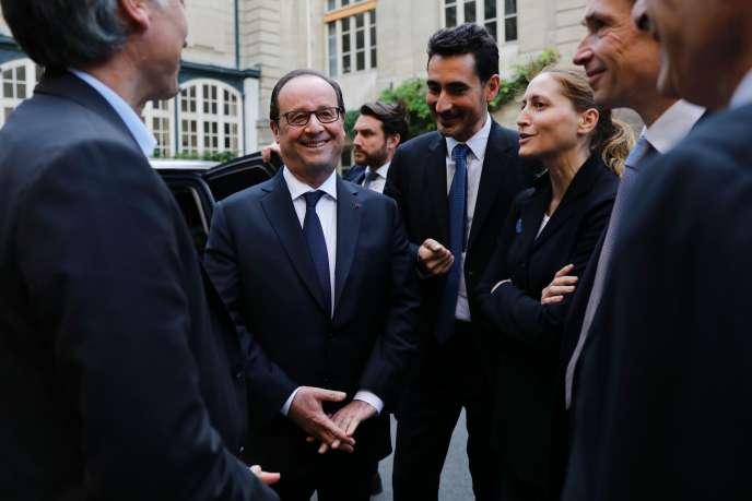 Francois Hollande, lorsde la conférence Europa à l'Ecole des mines, à Paris, samedi 15 octobre.