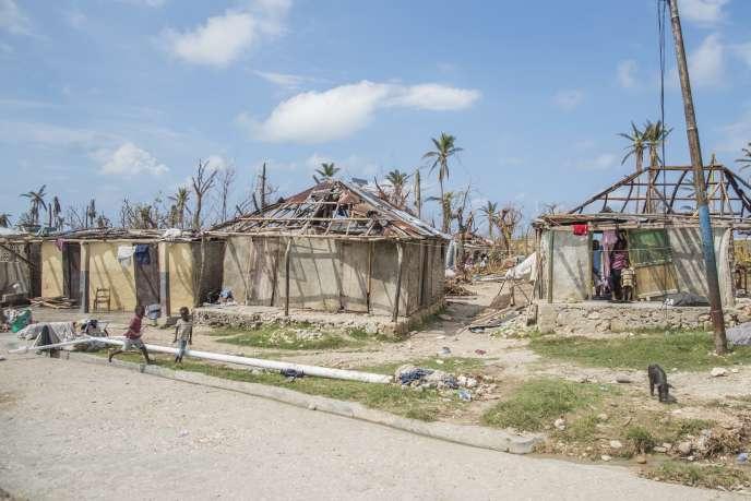 Dans la commune de Bonbon, neuf jours après le passage de l'ouragan Matthew, en Haïti, le 13 octobre 2016.