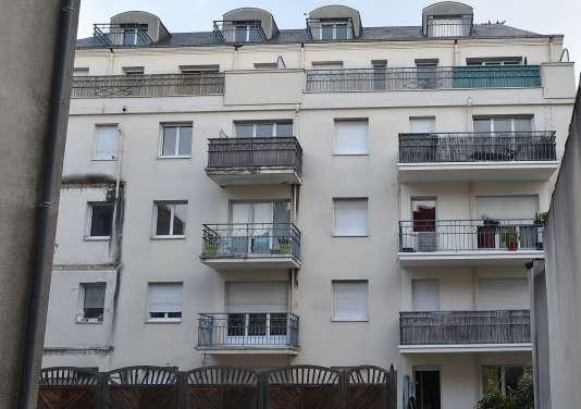 Angers un balcon s effondre lors d une soir e d for What is balcon