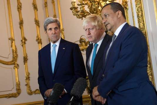 Le secrétaire d'Etat américain,John Kerry, le ministre des affaires étrangères britannique, Boris Johnson, et l'envoyé spécial de l'ONU au Yémen,Ismaïl Ould Cheikh Ahmed, ont proposé un cessez-le-feu, dimanche 16octobre à Londres.