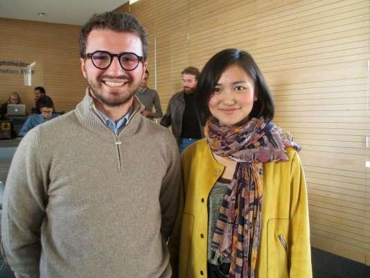 """Vincent Galard et Hanting Zhou, du groupe """"Amour et sexualité"""", étudiants de la chaire Entreprenariat à l'ESCP Europe, à Paris"""