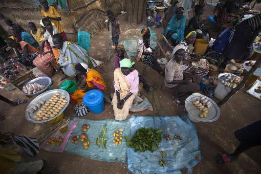 Un marché à moitié vide à Akuem, au Soudan du Sud, en octobre. Plus de la moitié des récoltes ont été perdues dans la région à cause des canicules, inondations et maladies.