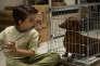 La torture à la flûte traversière, un des innombrables supplices endurés par le héros canin de Todd Solondz, dans « Le Teckel», ici avec Keaton Nigel Cooke.
