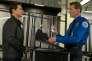 Tom Cruise et Lee Child dans le film américain d'Edward Zwick, «Jack Reacher : Never Go Back».