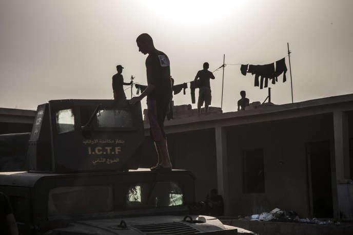 Tall Aswad, Kurdistan irakien, le 17 octobre. Les unités des forces spéciales Isof 1, 2 et 3 attendent à la base arrière avant d'engager les combats dans les villages occupés par Daesh à l'est et au nord-est de Mossoul.