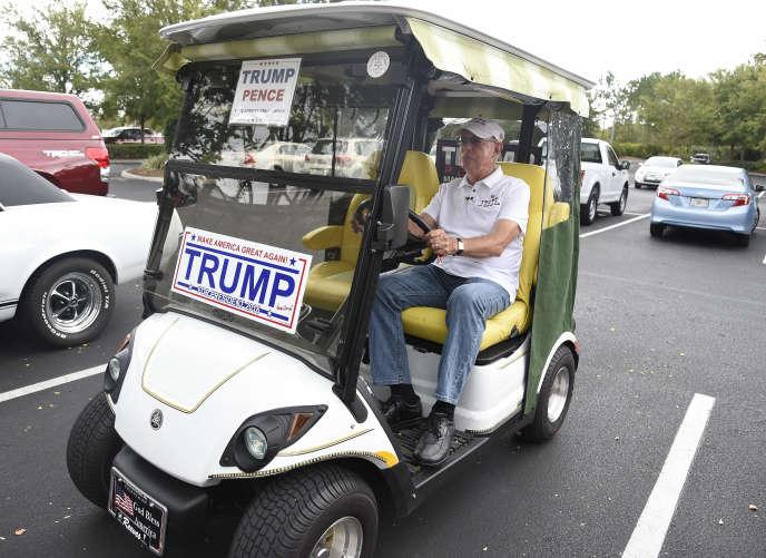 A The Villages, 120 000 habitants et 49 parcours de golf, les républicains frôlent les 70 % à chaque scrutin. Rhona Wise/AFP