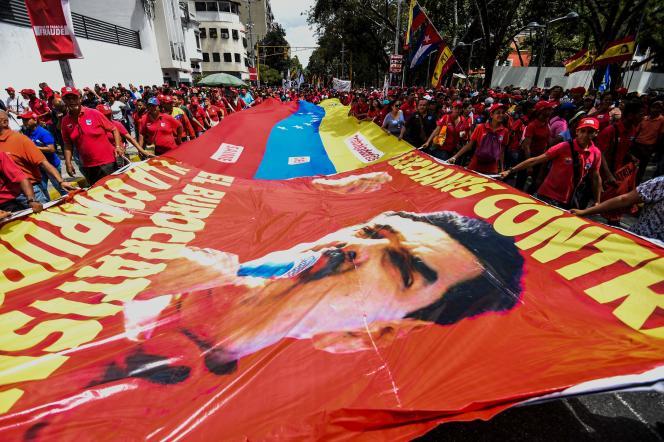 Manifestation des partisans du président Nicolas Maduro, à Caracas, le 18 octobre.