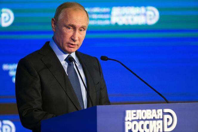 Le président russe, Vladimir Poutine, le 18 octobre 2016 à Moscou.