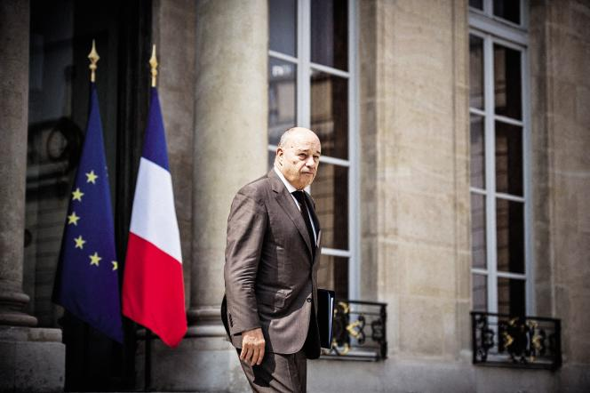 Jean-Michel Baylet,ministre de l'aménagement du territoire, conteste les accusations d'Isabelle Attard.