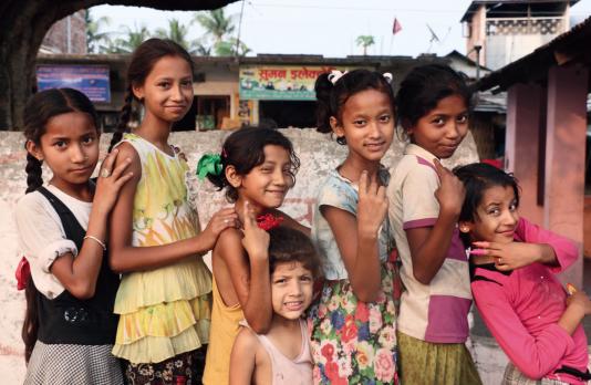 Des écolières dans le sud du Népal.