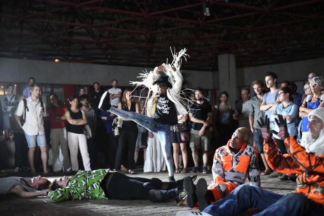 « Danse de nuit», une chorégraphie de Boris Charmatz.