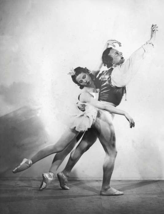 Yvette Chauviré à l'Opéra de Paris, le 24 août 1937.