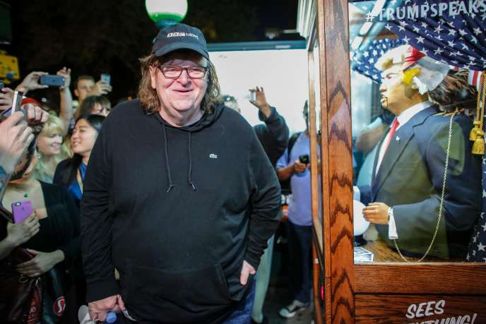 Le réalisateur Michael Moore lors de la projection de son documentaire-surprise,«TrumpLand», à New York, le 18 octobre 2016.