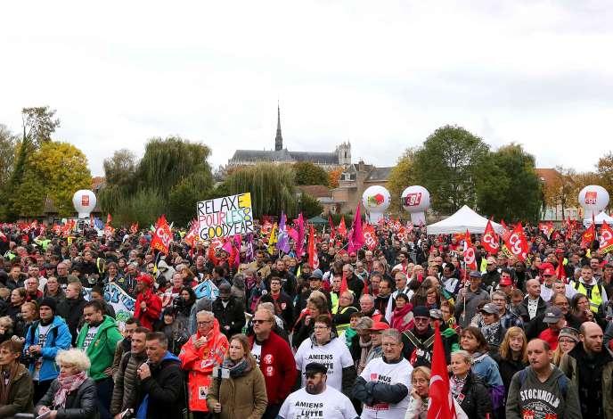 Entre 5 000 et 10 000 militants sont venus soutenir les anciens Goodyear, mercredi 19 et jeudi 20 octobre, à Amiens (Somme).