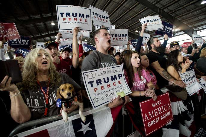 Supporters de Donald Trump lors d'unmeeting à Colorado Springs (Colorado) le 18 octobre 2016.