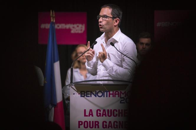 Benoît Hamon, candidat à la primaire de la gauche et favorable à un revenu universel, à Saint-Denis (Seine-Saint-Denis), le 28 août.