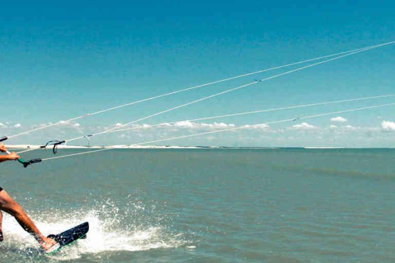 Dakhla (Maroc) : Kite-surf, kite-surfeur, juillet 2005